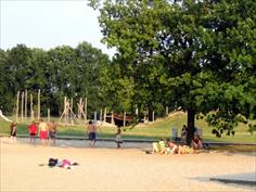 in Nedersaksen op mooi bungalowpark Haddorfer Seen